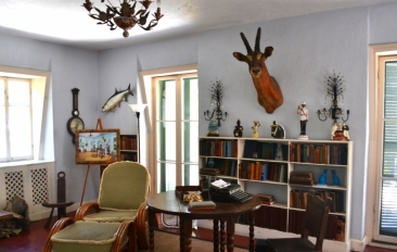 HEMINGWAY'S STUDY OVER POOLHOUSE (1024x650)