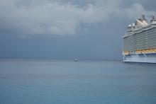 0 ship vs boat (1024x683)
