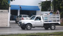 men in truck (800x454)